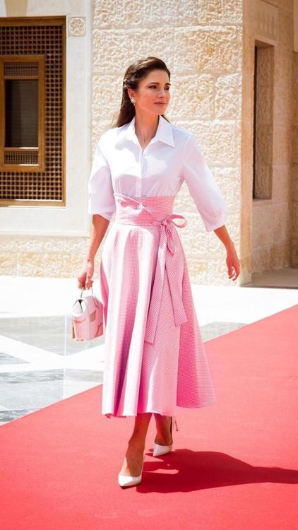 ملف ستايل: صاحبة السمو الملكي الملكة رانيا ملكة الأردن