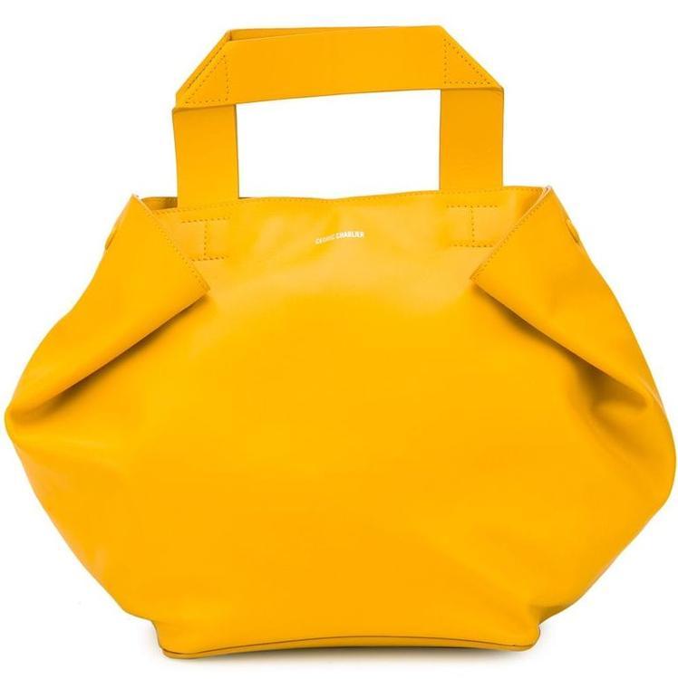 أحدث صيحات حقائب اليد لموسم الصيف