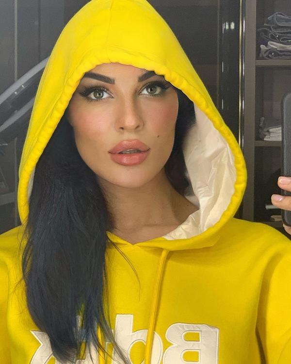 نادين نجيم تضرب المثل ببيلا حديد كرد على منتقديها
