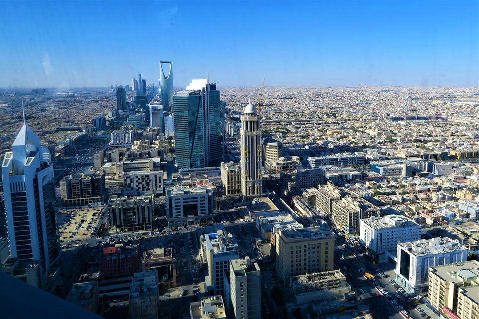 السعودية تعلن عن بعض القرارات المهمة عن العودة إلى الحياة الطبيعية