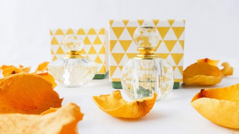 لنحتفي بعبق العود: 7 منتجات يومية ذات رائحة فاخرة
