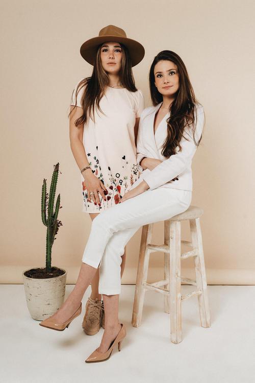 تعرفي إلى نورهان ودايانا كنجو الشقيقتان اللتان ارتقتا بفن التصميم الداخلي
