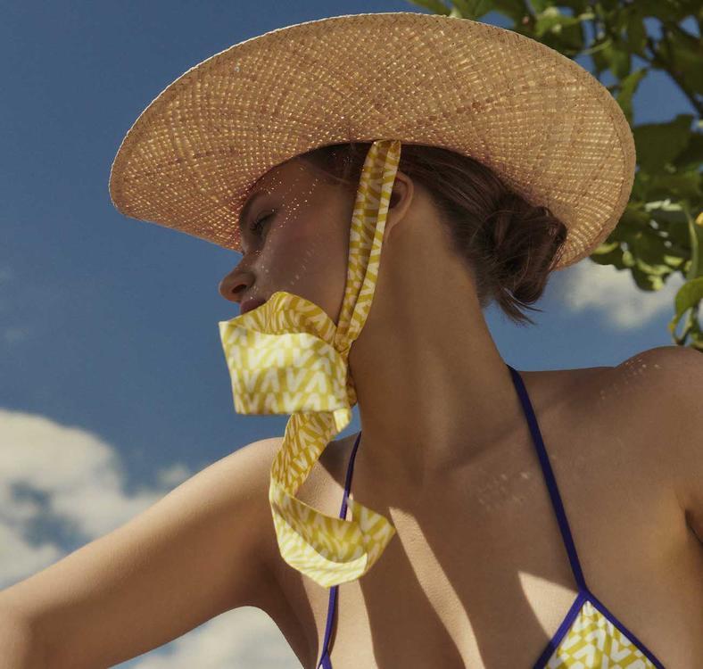 مجموعة ڤالنتينو الجديدة تضم كل ما تحتاجينه لموسم الصيف