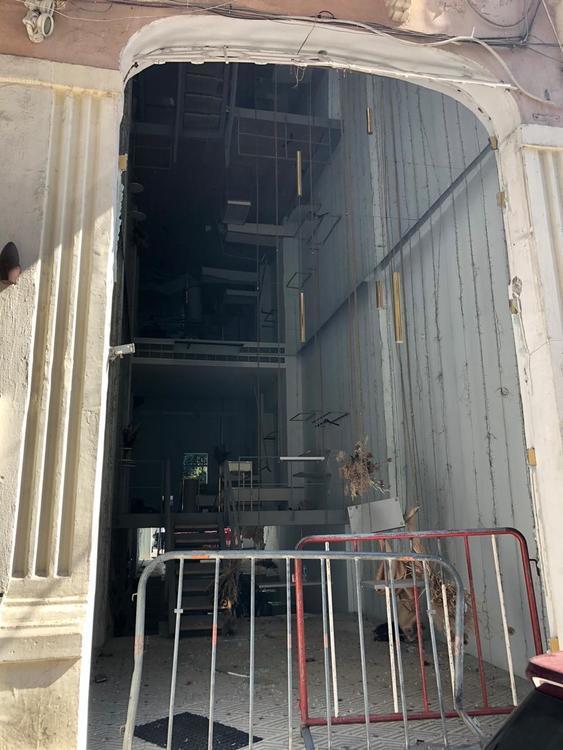قبل وبعد: صور تظهر الضرر الذي لحق بعلامات الأزياء الشابة في لبنان