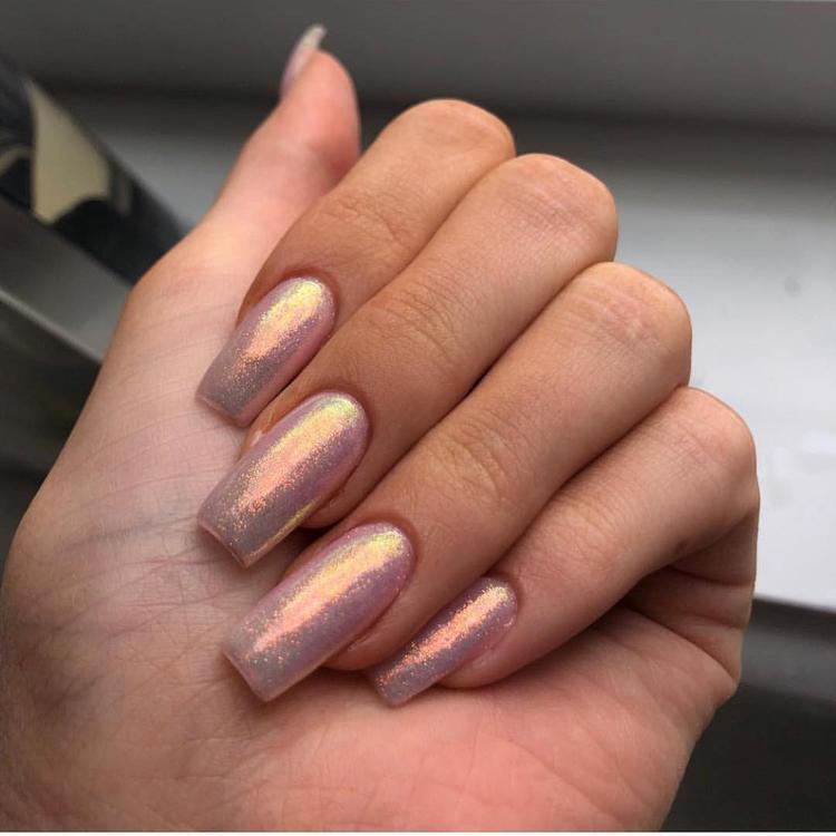 ألبوم لألوان طلاء الأظافر التي اختارتها كايلي جينر