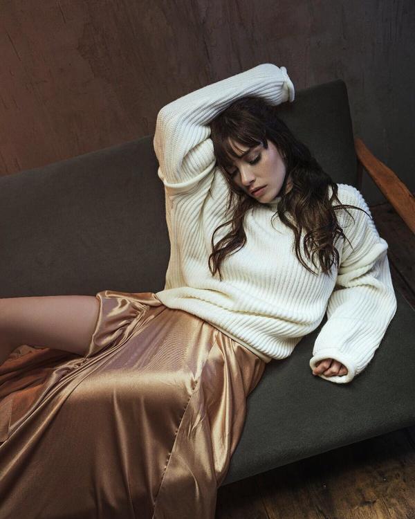 10 من أجمل إطلالات الممثلة التركية اوزجي جوريل
