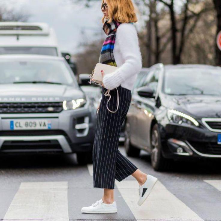 الأحذية المسطحة: باتت النساء يشترين الأحذية الرياضية أكثر من الأحذية العالية الكعب