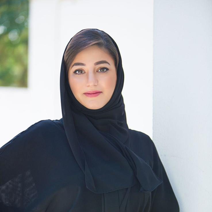 """مقابلة خاصة مع ليلى المرعشي نائب رئيس شؤون الاتصالات في """"تبريد""""، المصممة، الفنانة، وصاحبة الشخصية المؤثرة"""