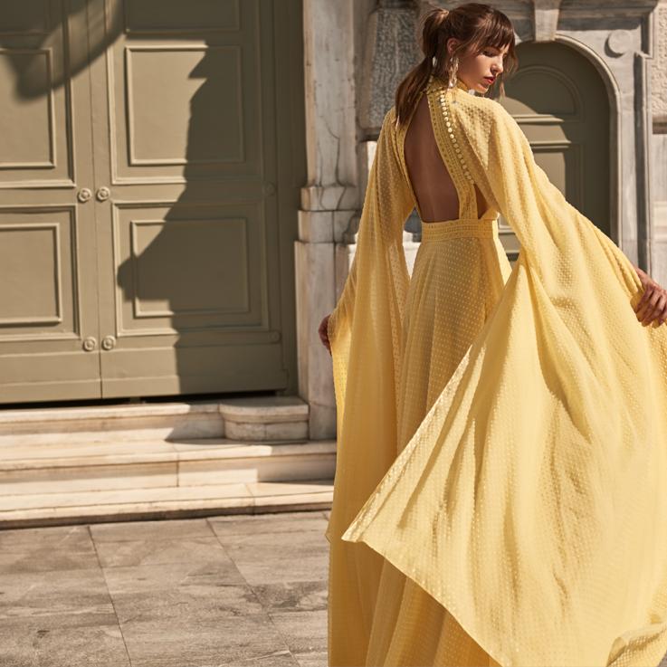 """""""بلومينغديلز"""" يطرح تشكيلته الجديدة من الأزياء والإكسسوارات لموسم ربيع وصيف 2018"""