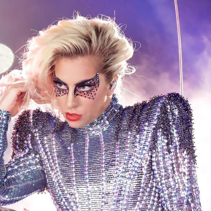 ليدي غاغا Lady GaGa تتحضّر لإطلاق علامتها الجمالية الخاصة Haus Beauty