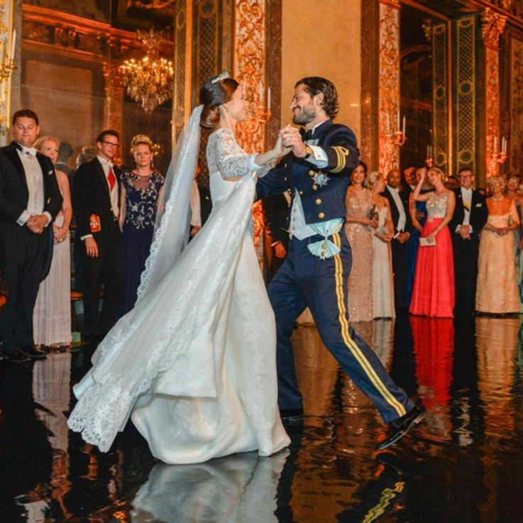هذه هي حفلات الزفاف الملكية الأكثر فخامة على مر السنين