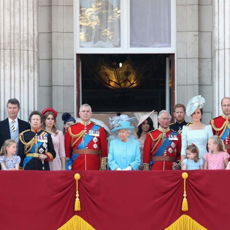 ميغان ماركل تنضم للمرة الأولى إلى إطلالة العائلة الملكية عبر شرفة قصر باكينغهام