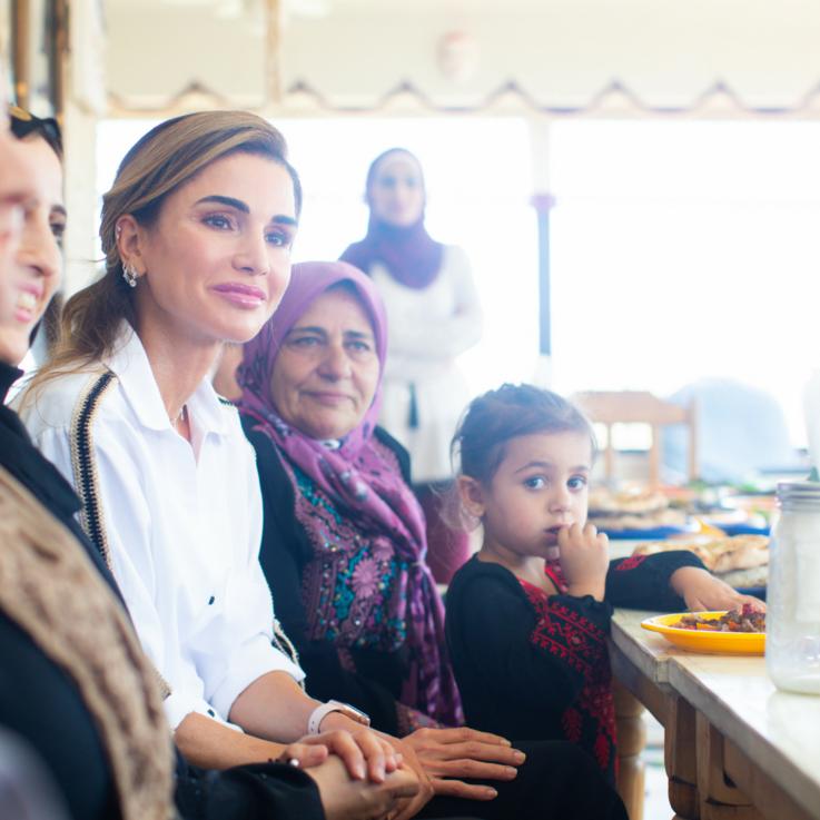 جلالة الملكة رانيا العبدالله تلتقي سيدات ناشطات في عجلون