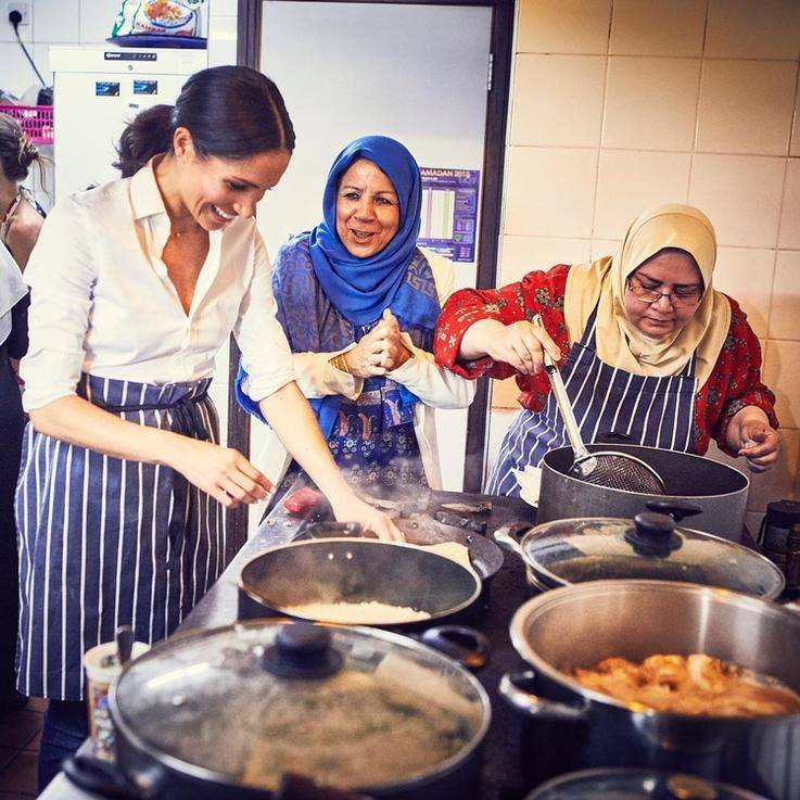 ميغان ماركل تطلق كتاباً للطبخ بالتعاون مع سيدات مركز التراث الثقافي الإسلامي في لندن