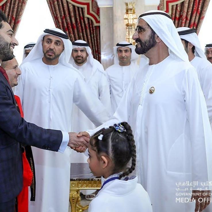 حاكم دبي وولي عهده يكرّمان نجم الكرة المصري محمد صلاح