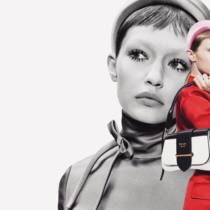 جيجي حديد كما لم تروها من قبل في حملتها الإعلانية الأولى مع Prada