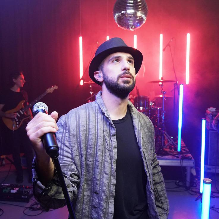 مقابلة: مغني البوب الأردني جعفر الصالح والموسيقى العربية المعاصرة