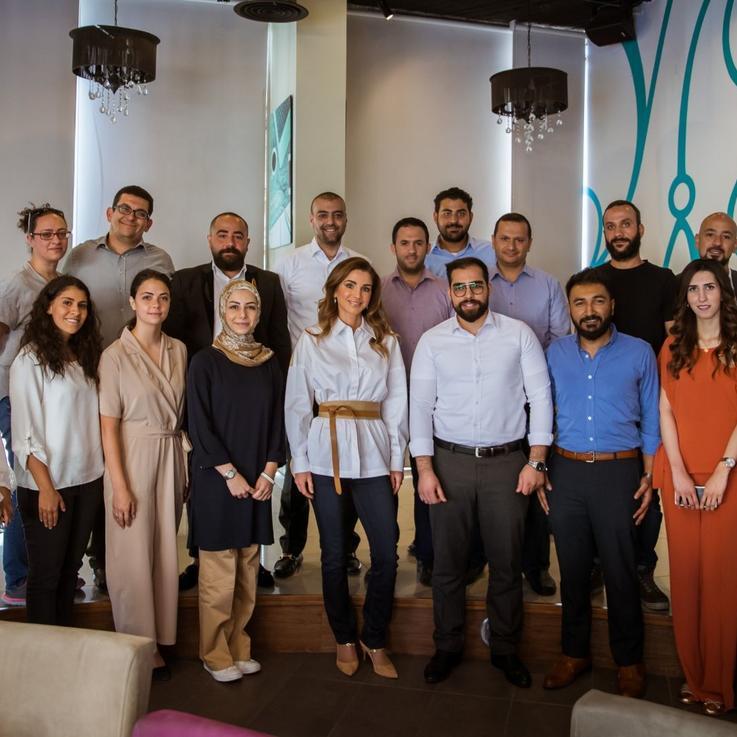 الملكة رانيا تلتقي رواد أعمال شباب أردنيين