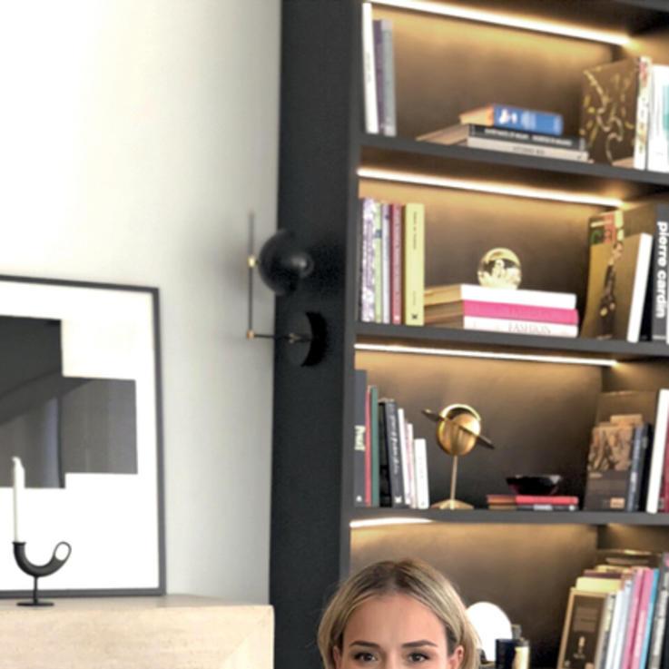 24 ساعة مع مصممة الأزياء فايزة بوقصة المقيمة في دبي
