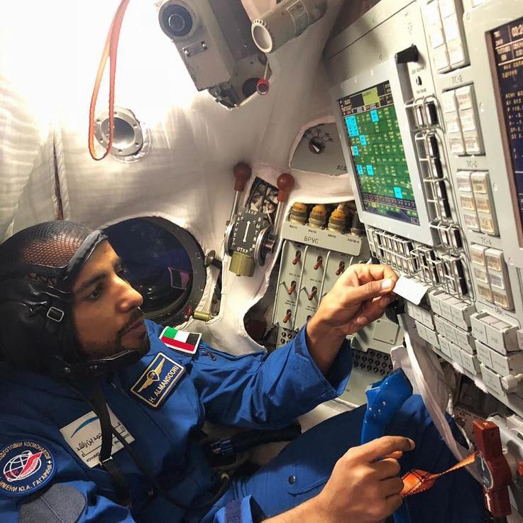 شاهدي: ما الذي قاله هزاع المنصوري أول رائد فضاء إماراتي مباشرة من الفضاء؟