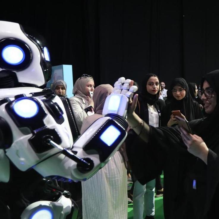 الجامعة الأولى في العالم للذكاء الإصطناعي في الإمارات العربية المتحدة