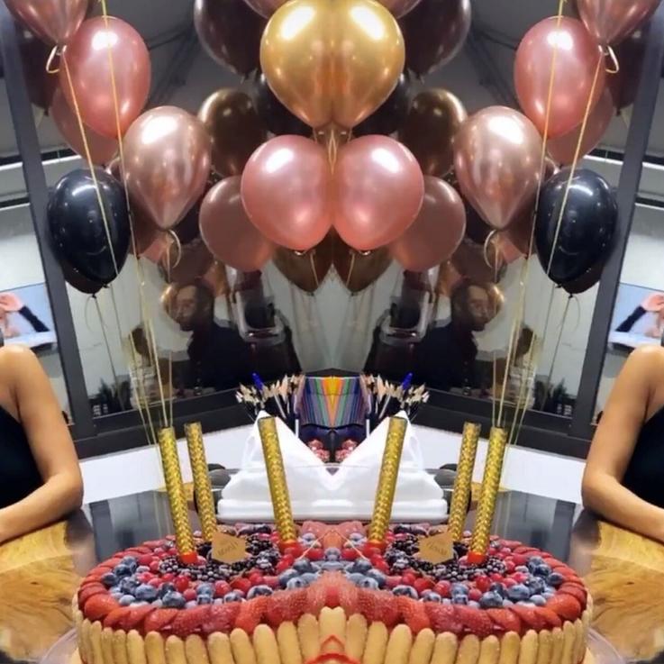مايا دياب تطفئ شمعة عيد ميلادها ال39 بمفاجأة مميزة