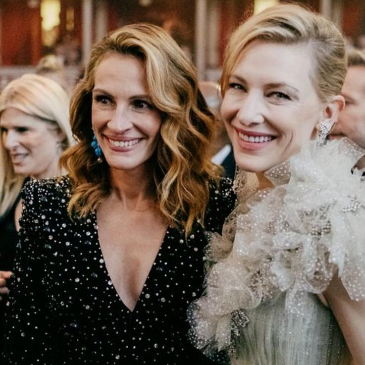 ألبوم صور: لقطات حصرية للنجوم من حفل توزيع جوائز الأزياء البريطانية