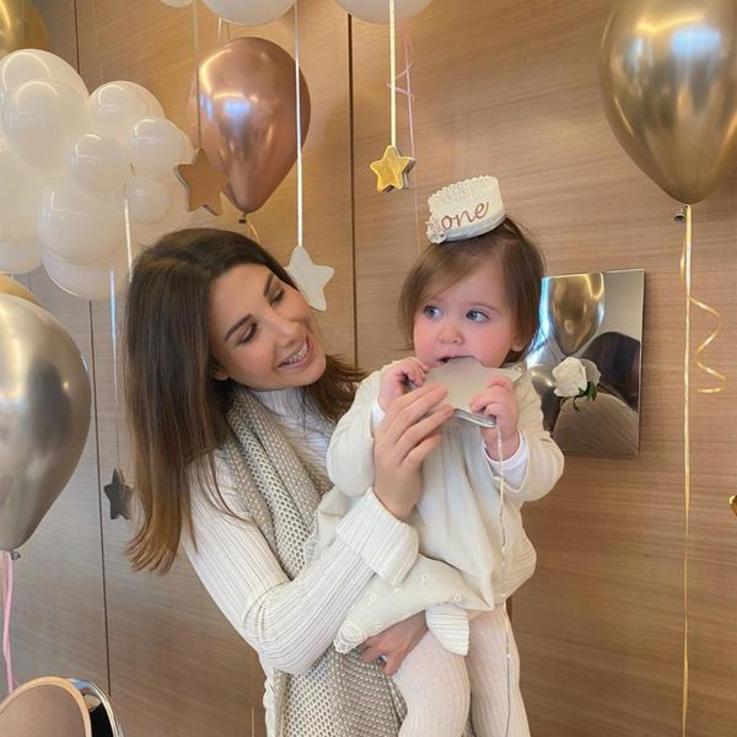 نانسي عجرم تحتفل بعيد ميلاد ابنتها في الفيلا الخاصة بها