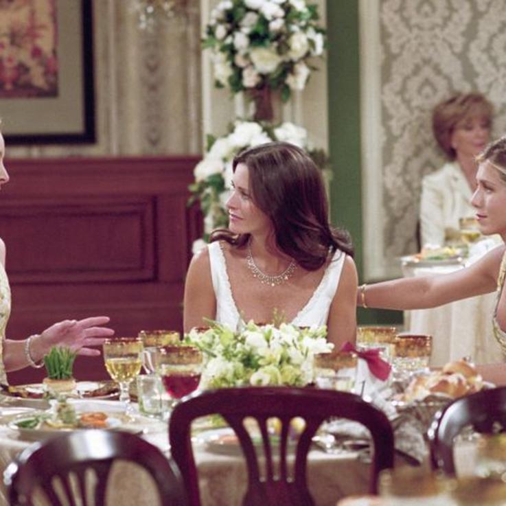 خمس علاقات  صداقة تحتاجها كل إمرأة في حياتها