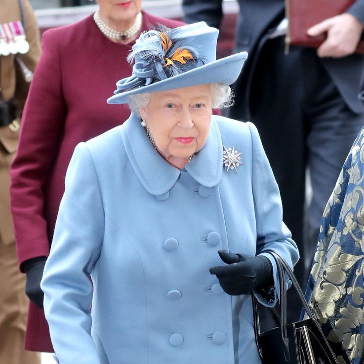 الملكة تلغي خطط سفرها القادمة بسبب فيروس كورونا