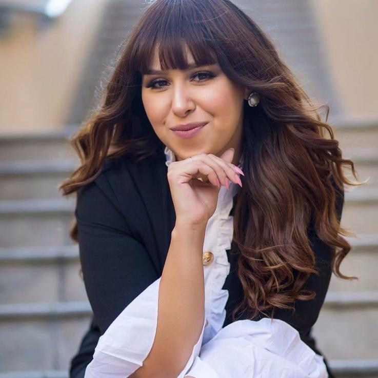 المغنية المصرية إيناس عز الدين تعلن إصابتها بفيروس كورونا