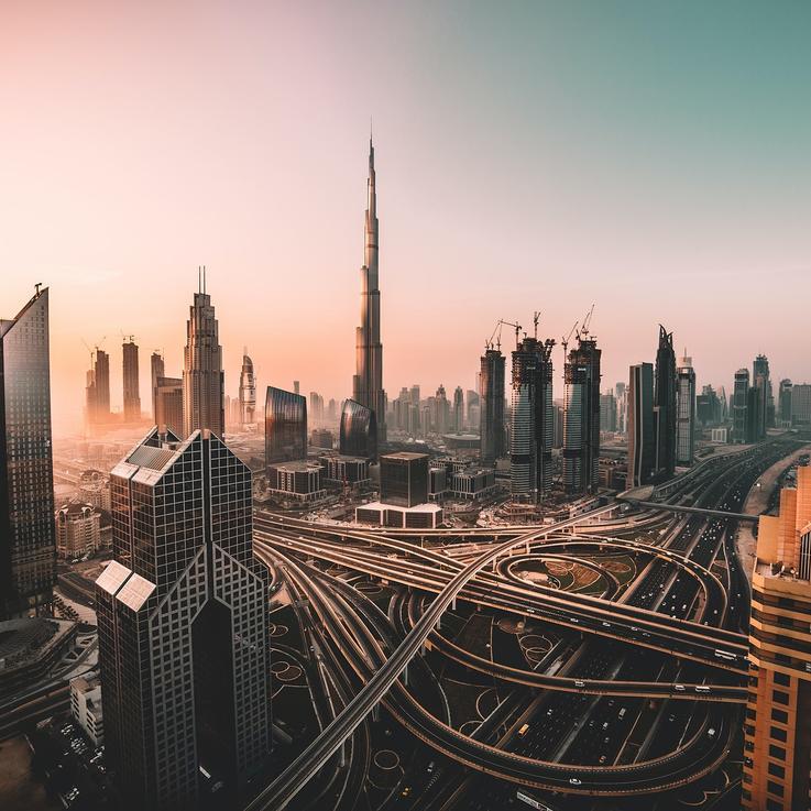 رفع الحظر في دبي مع افتتاح دور السينما والنوادي الرياضية
