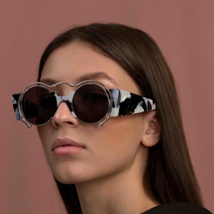 لإطلالتكِ في الصيف... علامة أختين تطلق مجموعة من النظارات الشمسيّة بتصاميم عصريّة