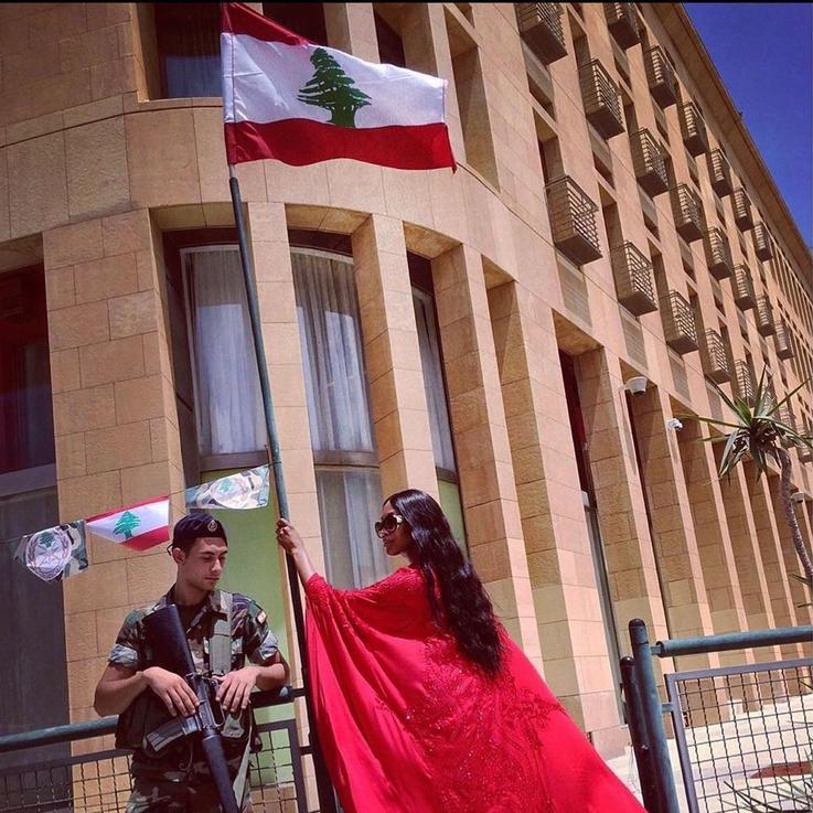 ناعومي كامبل، بيلا حديد، وأمل كلوني... شخصيات عالميّة تهب لمساعدة المتضررين في بيروت