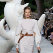 Louis-Vuitton-Cruise-'19-Look-03.png