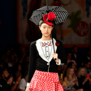 Moschino-Spring-Summer-2019-Womenswear-Resort-Collection---Look-02.png