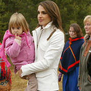 Queen-Rania-and-Princess-Salma-2003.jpg
